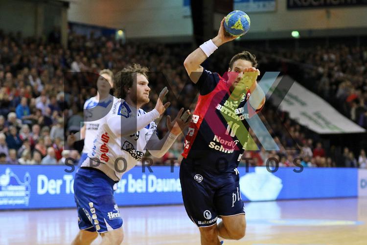 Flensburg, 16.05.2015, Sport, Handball, DKB Handball Bundesliga, Saison 2014/2015, SG Flensburg-Handewitt - TBV Lemgo : Timm Schneider (TBV Lemgo, #19), Thomas Mogensen (SG Flensburg-Handewitt, #10)<br /> <br /> Foto &copy; P-I-X.org *** Foto ist honorarpflichtig! *** Auf Anfrage in hoeherer Qualitaet/Aufloesung. Belegexemplar erbeten. Veroeffentlichung ausschliesslich fuer journalistisch-publizistische Zwecke. For editorial use only.