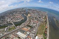 RECIFE, PE, 01.03.2014 - CARNAVAL / RECIFE / GALO DA MADRUGADA - <br /> Vista aérea da cidade de Recife capital de Pernambuco, na tarde deste sábado (01). (Foto: Vanessa Carvalho / Brazil Photo Press).