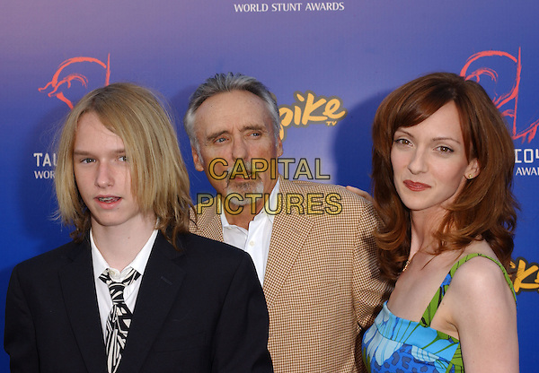 DENNIS HOPPER & FAMILY.The 4th Annual Taurus World Stunt Awards held at The Paramount Picture Studios in Los Angeles California .May 16,2004.headshot, portrait.www.capitalpictures.com.sales@capitalpictures.com.©Capital Pictures