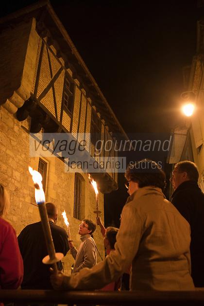 Europe/Europe/France/Midi-Pyrénées/46/Lot/Saint-Céré: Visite nocturne de la ville au flambeau