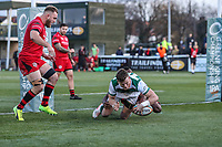 Peter LYDON of Ealing Trailfinders scores his team's third try during the Greene King IPA Championship match between Ealing Trailfinders and Jersey Reds at Castle Bar , West Ealing , England  on 22 December 2018. Photo by David Horn.