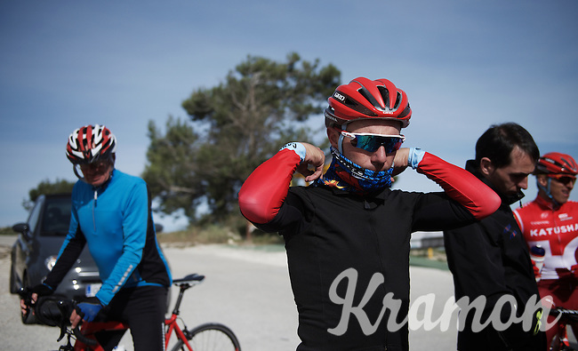 Joaquim Rodriguez (ESP/Katusha) & teammates having a small break (mid-training) up the Coll de Rates (Alicante, Spain) and preparing to go down again.<br /> <br /> January 2016 Training Camps