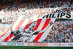 Nederland, Eindhoven, 18 augustus 2012.Seizoen 2012-2013.PSV-Roda JC.Supporters van PSV ontrollen een spandoek voor Mark van Bommel van PSV met de tekst 'KING OF PHILIPS'.