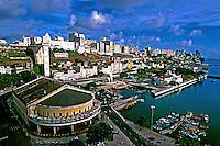Cidade baixa e cidade alta de Salvador, Bahia. 1999. Foto de Juca Martins.