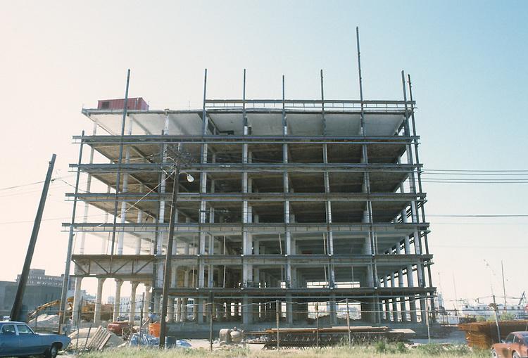 1983 September ..Redevelopment.Downtown West (A-1-6)..CONSTRUCTION PROGRESS VIEWS.BOUSH COLD STORAGE.HARBOR PLACE CONDOS...NEG#.NRHA#..