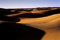 Gennaio 2009 .Campo Profughi Saharawi di Dakhla.Il deserto del Sahara vicino al campo profughi di Dakhla.January 2009.The Sahara desert near the refugee camp of Dakhla..