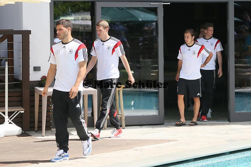 Kevin Volland, Matthias Ginter, Mario Götze, Marco Reus - Media Day der Deutschen Nationalmannschaft zur WM-Vorbereitung in St. Martin