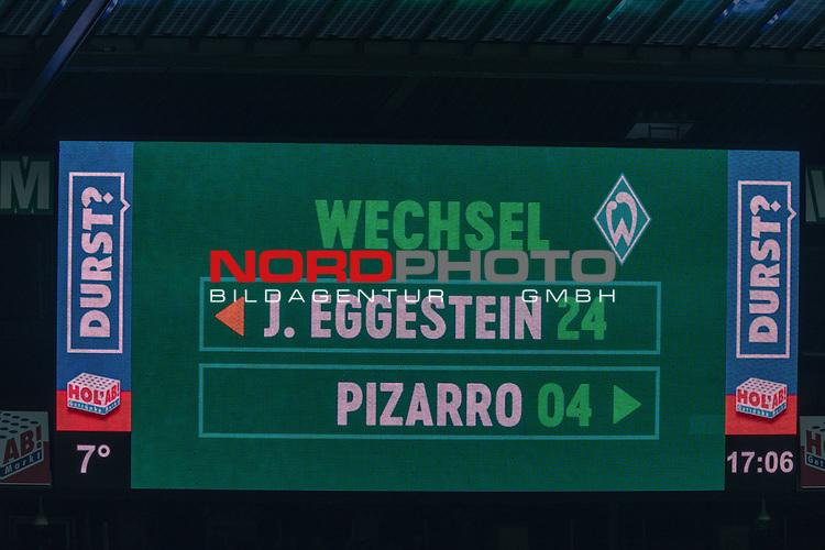 10.02.2019, Weser Stadion, Bremen, GER, 1.FBL, Werder Bremen vs FC Augsburg, <br /> <br /> DFL REGULATIONS PROHIBIT ANY USE OF PHOTOGRAPHS AS IMAGE SEQUENCES AND/OR QUASI-VIDEO.<br /> <br />  im Bild<br /> <br /> Feature Anzeigentafel Spielerwechselund, Einwechslung Claudio Pizarro (Werder Bremen #04) , Auswechslung Johannes Eggestein (Werder Bremen #24)<br /> <br /> Foto &copy; nordphoto / Kokenge