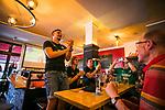 im Bild: Jubel / im Viertel in der Gaststätte Wirtshaus feiern Fans des SV Werder das Erreichen der Relegation, <br /><br /><br />Sport: nphgm001: Fussball: 1. Bundesliga: Saison 19/20: 34. Spieltag: SV Werder Bremen vs 1.FC Koeln 27.06.2020 <br /><br />Foto: Rauch/gumzmedia/nordphoto<br /><br />EDITORIAL USE ONLY