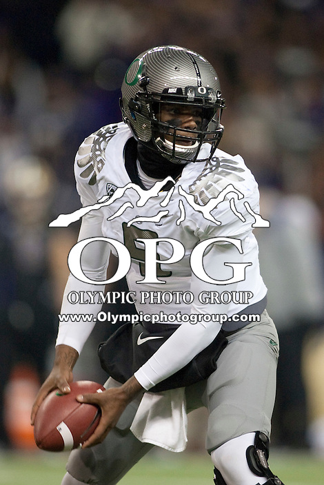 Nov  05, 2011:  Oregon's Darron Thomas against Washington .  Oregon defeated Washington 34-17 at Husky Stadium in Seattle, Washington...