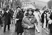 - Milano, 8 marzo 1976, manifestazione femminista per il diritto all'aborto<br /> <br /> - Milan, March 8, 1976, feminist demonstration for abortion rights