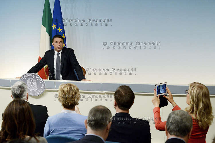 Roma, 26 Maggio 2014.<br /> Conferenza stampa del Presidente del Consiglio Matteo Renzi sui risultati delle elezioni europee e la vittoria del Partito Democratico a Palazzo Chigi.<br /> Rome, May 26, 2014. <br /> Press conference of the italian Premier Matteo Renzi on the results of the European elections and the victory of the Democratic Party in the Palazzo Chigi .