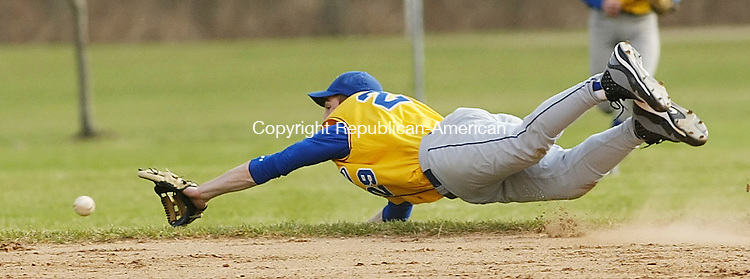 WASHINGTON, CT, 04/09/09- 040909BZ08- Gilbert's Zac Tuozzo (29) tries to make a diving stop against Shepaug Thursday.  <br /> Jamison C. Bazinet Republican-American