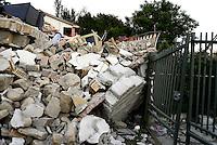 Saletta, Rieti, 26 Agosto 2016.<br /> Edifici crollati a Saletta.<br /> In questa piccola citt&agrave; i residenti sono tredici  e durante l'estate &egrave; affollata dai turisti soprattutto da Roma, il terremoto ha ucciso ventidue persone.<br /> L'Italia &egrave; stata colpita da un potente, terremoto di 6,2 magnitudo nella notte del 24 agosto, 2016, che ha ucciso almeno 290 persone .<br /> Collapsed buildings  in Saletta, earthquake epicenter in central Italy was struck by a powerful, 6.2-magnitude earthquake in the night of August 24, 2016, Which has killed at least 290 people and devastated hundreds of houses.