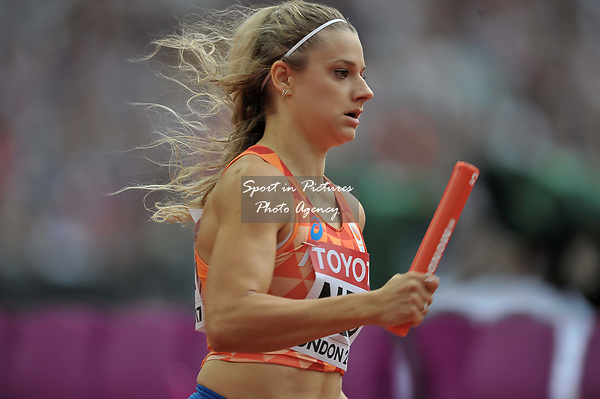 Laura De Witte (NED) in the womens 4 x 400m relay. IAAF world athletics championships. London Olympic stadium. Queen Elizabeth Olympic park. Stratford. London. UK. 12/08/2017. ~ MANDATORY CREDIT Garry Bowden/SIPPA - NO UNAUTHORISED USE - +44 7837 394578