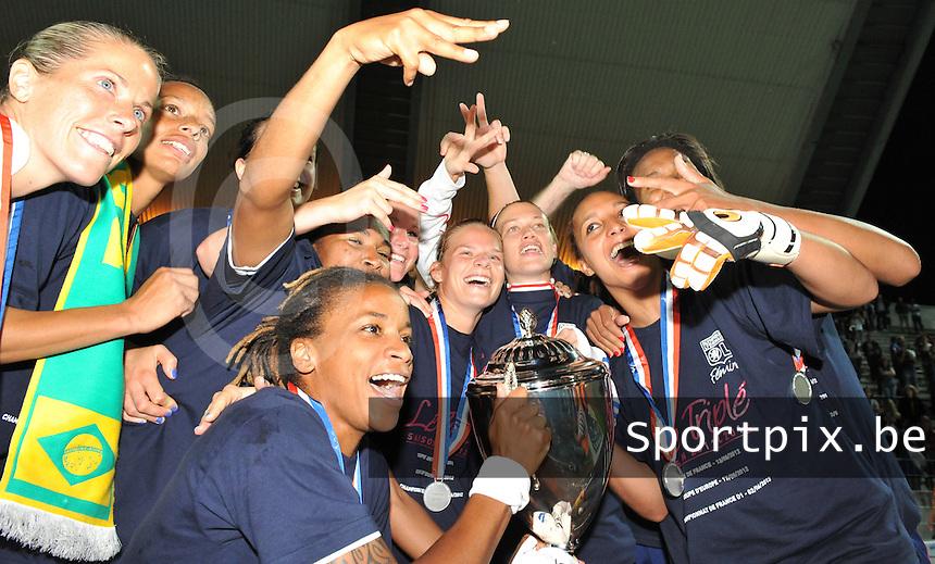 Football Club Feminin Juvisy Essonne - Olympique Lyon :.vreugde bij Lyon bij het winnen van de titel.foto DAVID CATRY / JOKE VUYLSTEKE / Vrouwenteam.be