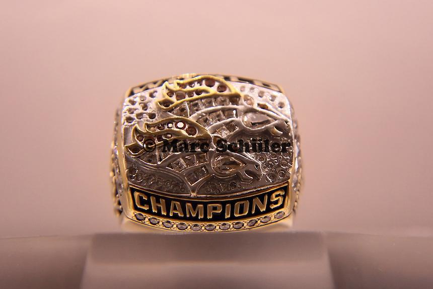 Super Bowl Ringe der einzelnen Siegerteams: XXXIII Denver Broncos 1998