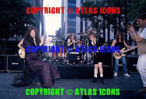 AC/DC; Howard Stren ; Live, In New York City ; .Photo Credit: Eddie Malluk/Atlas Icons.com