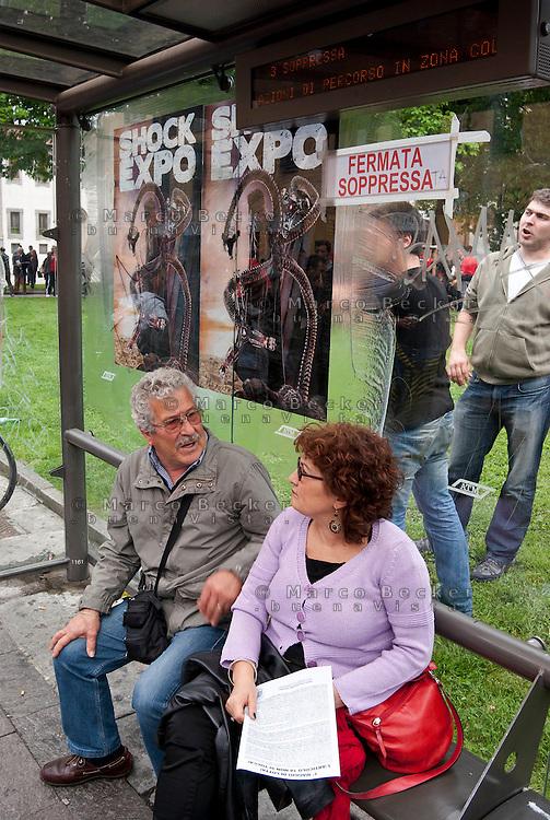Milano, Mayday Parade, manifestazione del 1. maggio di gruppi e organizzazioni di sinistra contro il lavoro precario. Protesta contro Expo 2015 --- Milan, Mayday Parade, 1st of May manifestation of leftist groups and organizations against temporary work. Protest against Expo 2015