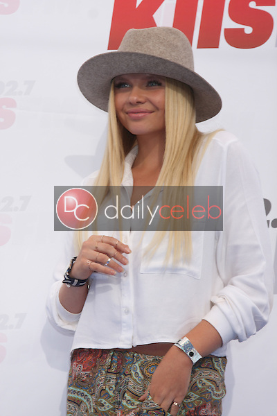 Alli Simpson<br />