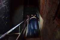 SAO PAULO, SP, 07 de junho 2013- Um incendio em um barraco deixou duas criancas com ferimentos leve na Av Almirante Delamare13 Heliopolis, foram levadas ao Ps do Hospital Heliopolis FOTO:ADRIANO LIMA / BRAZIL PHOTO PRESS).