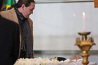 SAO PAULO, SP, 25.07.2013 - VELORIO MUSICO DOMIGUINHOS - Marco Antonio Ricciardelli (Marquito)<br />  amigo do sanfoneiro Jos&eacute; Domingos de Moraes, o Dominguinhos, &eacute; velado na Assembleia Legislativa de S&atilde;o Paulo, na zona sul da capital, na manh&atilde; desta quarta-feira (24). Dominguinhos morreu no final da tarde de ontem no Hospital S&iacute;rio Liban&ecirc;s, onde estava internado desde janeiro para tratar das complica&ccedil;&otilde;es de um c&acirc;ncer no pulm&atilde;o. Foto: Vanessa Carvalho / Brazil Photo Press
