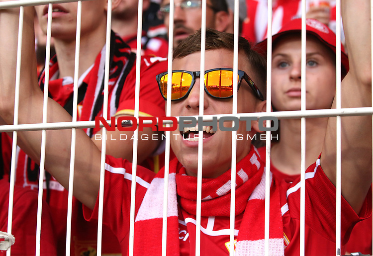18.08.2019, Stadion an der Wuhlheide, Berlin, GER, 1.FBL, 1.FC UNION BERLIN  VS. RB Leibzig, <br /> DFL  regulations prohibit any use of photographs as image sequences and/or quasi-video<br /> im Bild Unionfan (1.FC Union Berlin), mit Sonnenbrille<br /> <br />      <br /> Foto © nordphoto / Engler