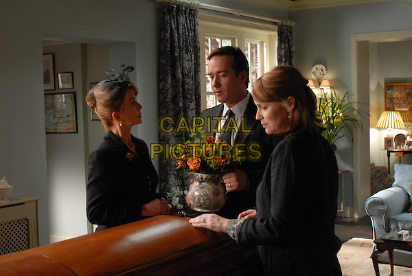 Jane Asher, Matthew Macfadyen, Keeley Hawes<br /> in Death at a Funeral (2007) <br /> *Filmstill - Editorial Use Only*<br /> CAP/NFS<br /> Image supplied by Capital Pictures