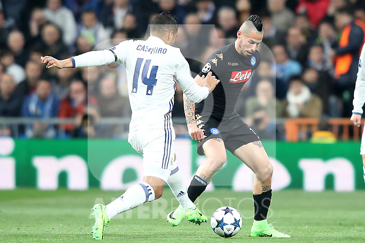 Real Madrid's Carlos Henrique Casemiro (l) and SSC Napoli's Marek Hamsik during Champions League 2016/2017 Round of 16 1st leg match. February 15,2017. (ALTERPHOTOS/Acero)