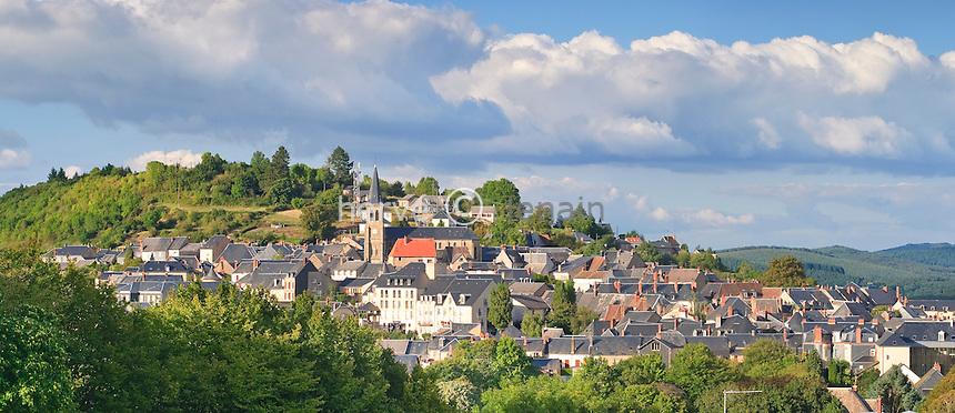 France, Nièvre (58), Parc naturel régional du Morvan, Château-Chinon // France, Nievre, Parc Naturel Regional du Morvan (Morvan Natural Regional Park), Chateau Chinon
