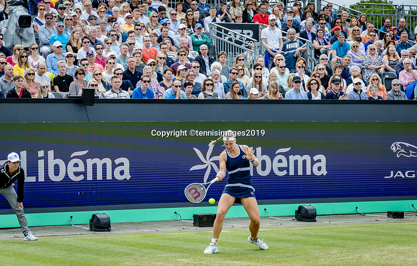 Rosmalen, Netherlands, 16 June, 2019, Tennis, Libema Open, Kiki Bertens (NED) plays in a full centercourt<br /> Photo: Henk Koster/tennisimages.com