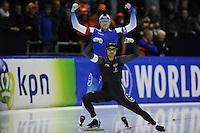 SCHAATSEN: HEERENVEEN: 13-12--2015, IJsstadion Thialf, ISU World Cup, Mika Poutala (FIN), Gilmore Vincent Junio (CAN), ©foto Martin de Jong