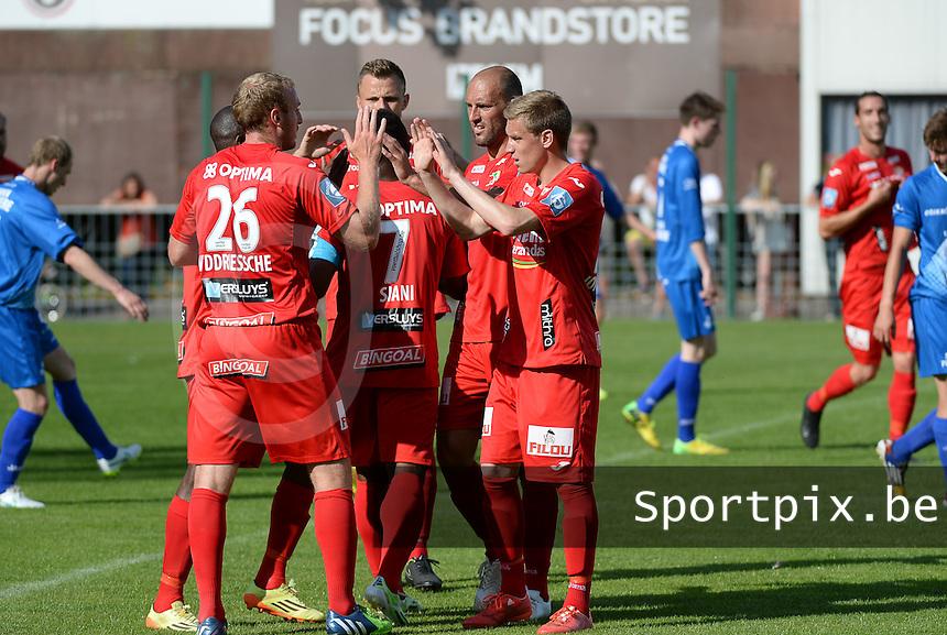 OMS Ingelmunster - KV Oostende :  vreugde bij Oostende na de 0-1 van Baptiste Schmisser<br /> foto VDB / BART VANDENBROUCKE
