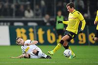 FUSSBALL   1. BUNDESLIGA   SAISON 2011/2012    15. SPIELTAG Borussia Moenchengladbach - Borussia Dortmund        03.12.2011 Filip DAEMS (li, Moenchengladbach) gegen Mario GOETZE (re, Dortmund)