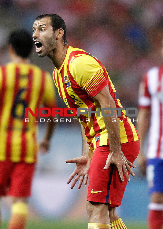 FC Barcelona's Javier Mascherano during Supercup of Spain 1st match.August 21,2013. Foto © nph / Acero)