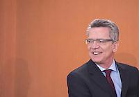 Berlin, Mittwoch (29.05.13), Verteidigungsminister Thomas de Maiziere (CDU) vor Beginn der Sitzung des Bundeskabinetts im Bundeskanzleramt in Berlin..Foto: Michael Gottschalk/CommonLens