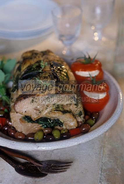 Cuisine/Gastronomie Generale:  Filet de Thon Rouge rôti aux épinards, tomates confites à l' hoummos
