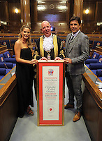 Pictured: Chris Coleman (R) with wife Charlotte Jackson (L) and Lord Mayor for Swansea Councillor David Hopkins (C) Thursday 20 October 2016<br />