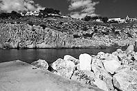 Castro Marina - Salento - Puglia - Porto di Castro Marina. Scogliera.