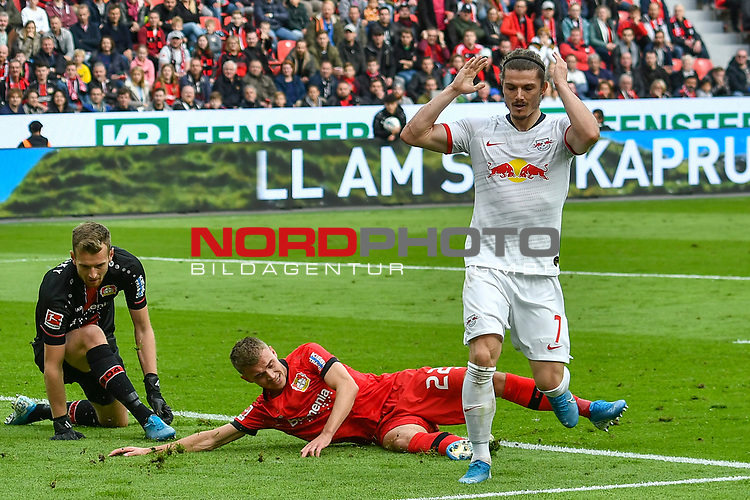 05.10.2019, BayArena, Leverkusen, GER, DFL, 1. BL, Bayer 04 Leverkusen vs RB Leipzig, DFL regulations prohibit any use of photographs as image sequences and/or quasi-video<br /> <br /> im Bild Strafraumszene . vergebene Torchance von Marcel Sabitzer (#7, RB Leipzig) <br /> <br /> Foto © nordphoto/Mauelshagen