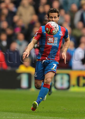 09.04.2016. Selhurst Park, London, England. Barclays Premier League. Crystal Palace versus Norwich. Crystal Palace Midfielder Yohan Cabaye focuses on the ball