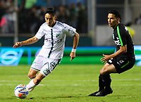 PALMIRA - COLOMBIA, 02-05-2018: Fabian Sambueza (Izq) del Deportivo Cali disputa el balón con Diego Arias (Der) de Atlético Nacional durante partido por la fecha 14 de la Liga Aguila II 2017 jugado en el estadio Palmaseca de Cali. / Fabian Sambueza (L) player of Deportivo Cali fights for the ball with Diego Arias (R) player of Atletico Nacional during match for the date 14 of the Aguila League II 2017 played at Palmaseca stadium in Cali.  Photo: VizzorImage/ Nelson Rios / Cont