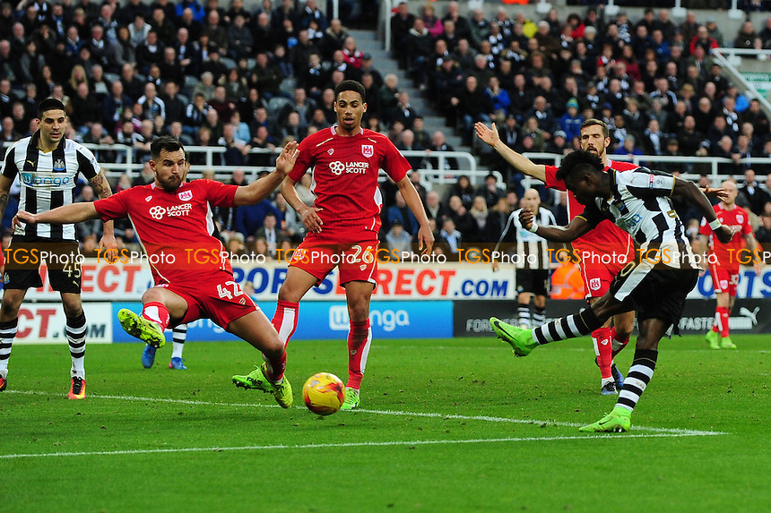 Christian Atsu of Newcastle United misses a great chance during Newcastle United vs Bristol City, Sky Bet EFL Championship Football at St. James' Park on 25th February 2017