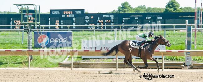 Gunfighter winning at Delaware Park on 9/4/13