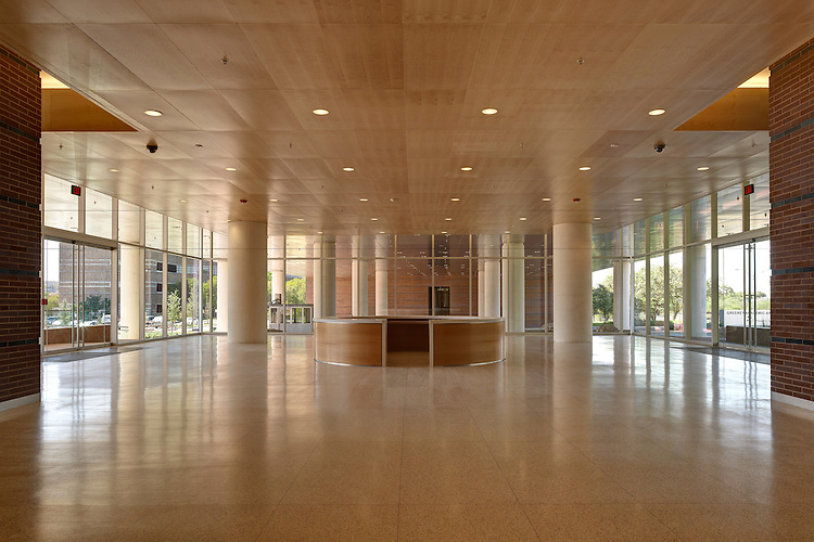South Texas Research Facility   Architects: Rafael Vinoly Architects