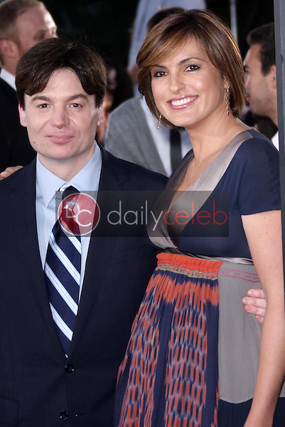 """Mike Myers and Mariska Hargitay<br />at the Los Angeles Premiere of """"The Love Guru"""". Grauman's Chinese Theatre, Hollywood, CA. 06-11-08<br />Dave Edwards/DailyCeleb.com 818-249-4998"""
