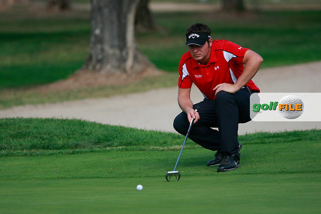 George Murray (SCO) lines up his putt on the 17th green during Thursday's Round 1 of the Castello Masters at the Club de Campo del Mediterraneo, Castellon, Spain, 20th October 2011 (Photo Eoin Clarke/www.golffile.ie)