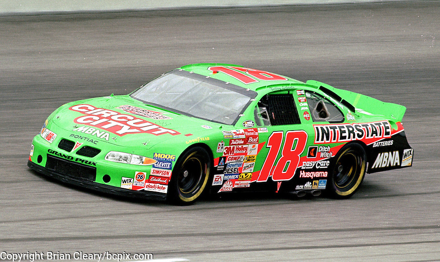 Bobby Labonte races off turn 4 en route to victory in the Pepsi Southern 500 at Darlington, SC on Sunday, 9/3/00.(Photo by Brian Cleary)  (Photo by Brian Cleary/www.bcpix.com)