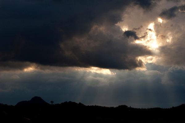 Sao Paulo_SP, Brasil...Nuvens de chuva em uma paisagem em Sao Paulo...Storm clouds in the landscape in Sao Paulo...Foto: LEO DRUMOND / NITRO.