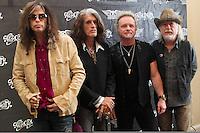 RIO DE JANEIRO; RJ; 17.10.2013 - A banda americana Aerosmith antes da coletiva de imprensa, antes dos shows do Rio de Janeiro nesta sexta-feira e do Monster of Rock em São Paulo no próximo domingo, no Copacabana Palace, zona sul da cidade. FOTO: NÉSTOR J. BEREMBLUM - BRAZIL PHOTO PRESS